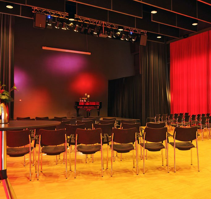 Village theater. Photograph by KopArt, Amstelveen